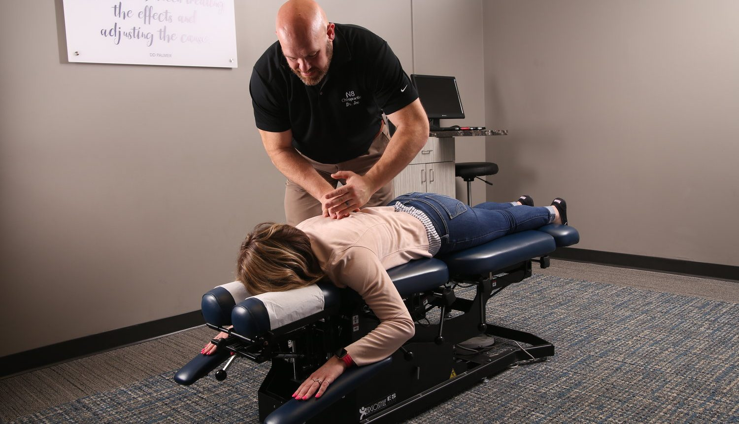 chiropractor-treatment